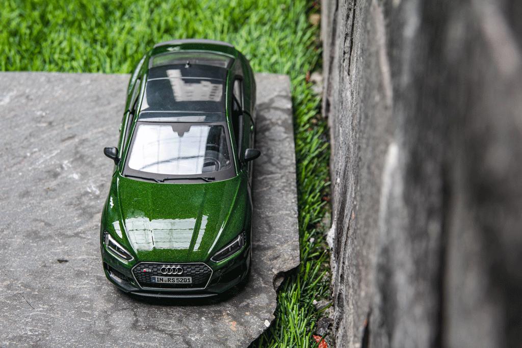 Mô hình xe Audi RS5 Coupe 1:24 Bburago