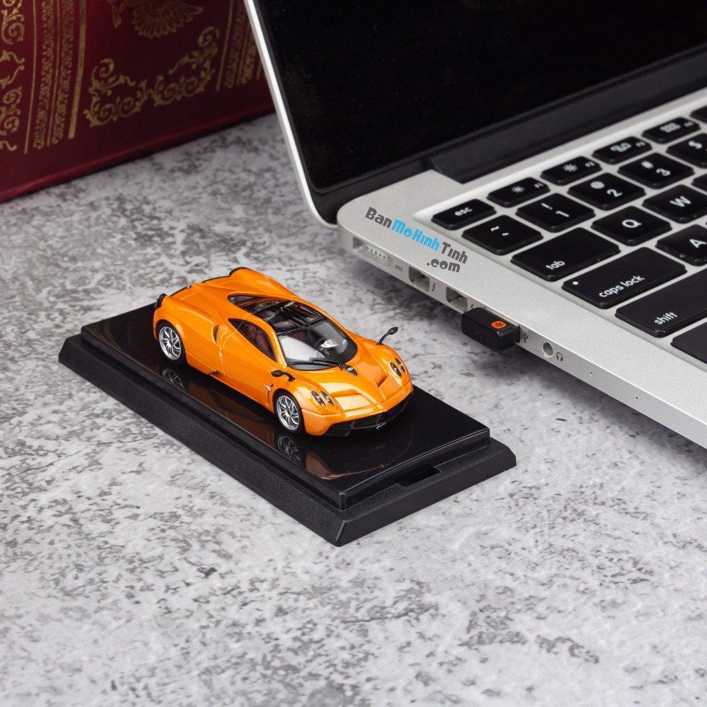 Mô hình siêu xe Pagani Huayra 1:64 Dealer Orange