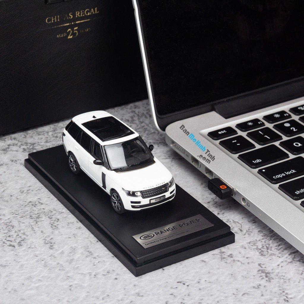 Mô hình xe suv Land Rover Range Rover Autobiography SV 1:64 LCD White