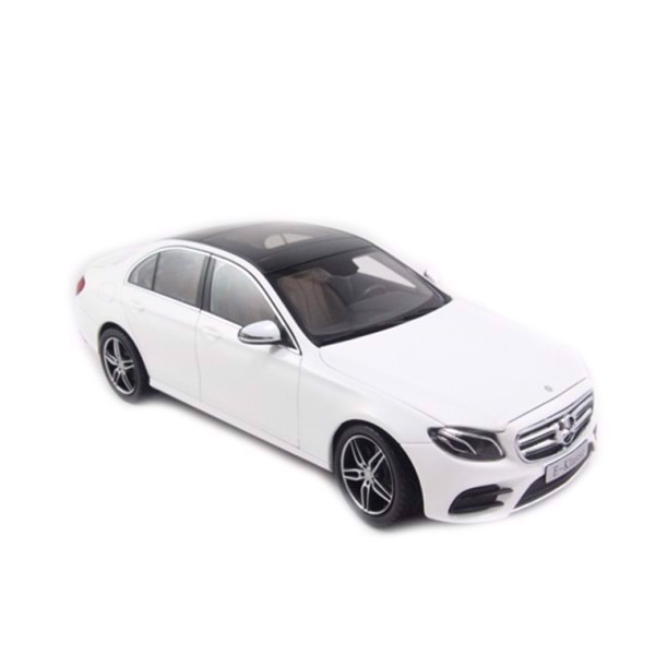 Mô hình xe Mercedes-Benz E300 AMG White 1:18 Iscale