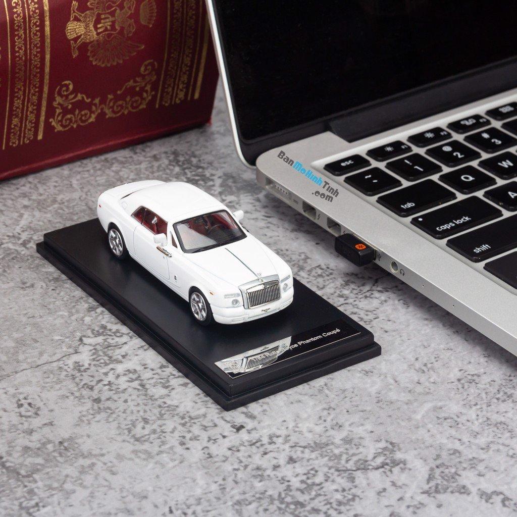 Mô hình xe Rolls Royce Phantom Coupe 1:64 Dealer White giá rẻ