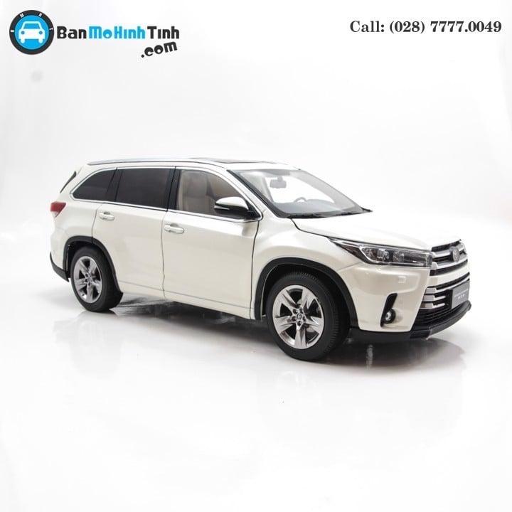 Mô hình xe Toyota Highlander 2018 White 1:18 Paudi