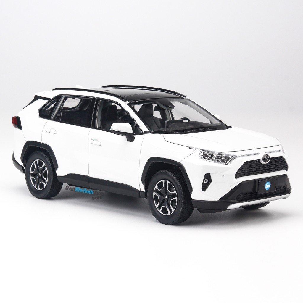 Mô hình xe SUV Toyota RAV4 2019 White 1:18 Dealer