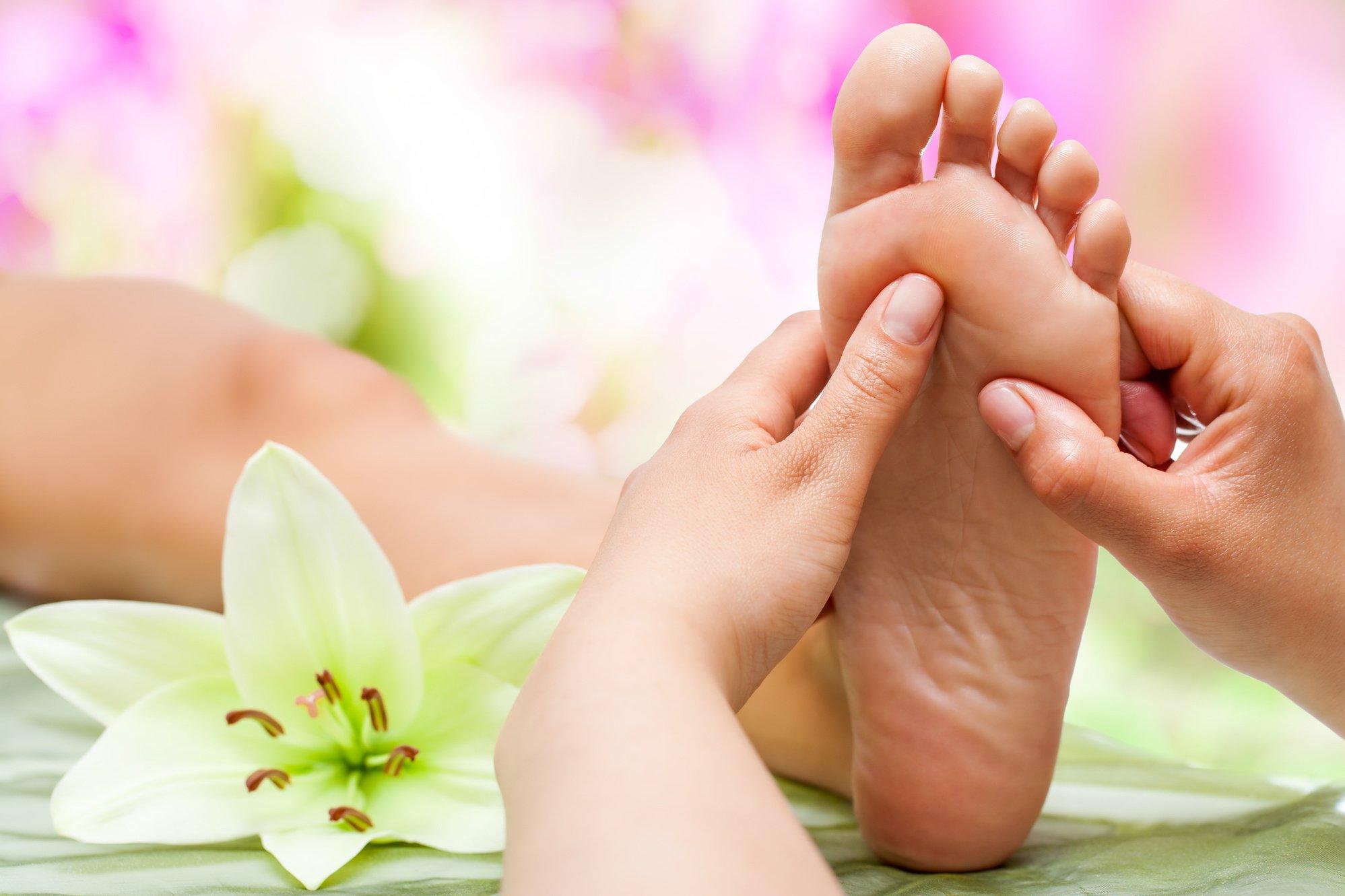 Chăm sóc đôi chân là chăm sóc sức khỏe và giấc ngủ, Bạn tin không?