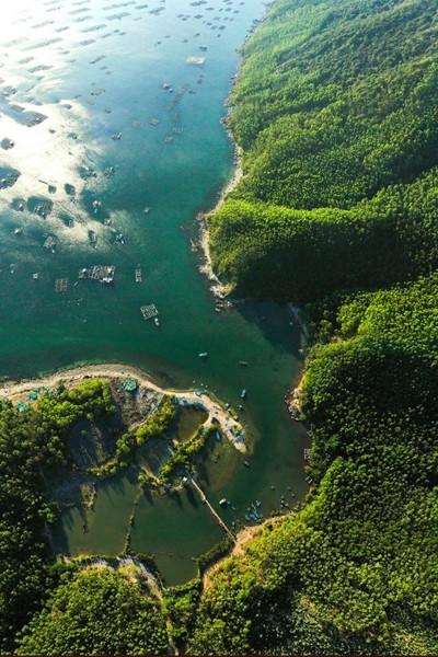 Ngắm nhìn những khoảnh khắc Việt Nam từ trên cao đẹp sửng sốt: Việt Nam mình đẹp đến vậy sao?