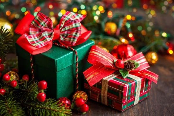 Lý do nên tặng quà Noel