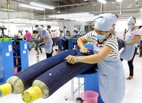 Experts: CPTPP to create impetus for textile, footwear industries