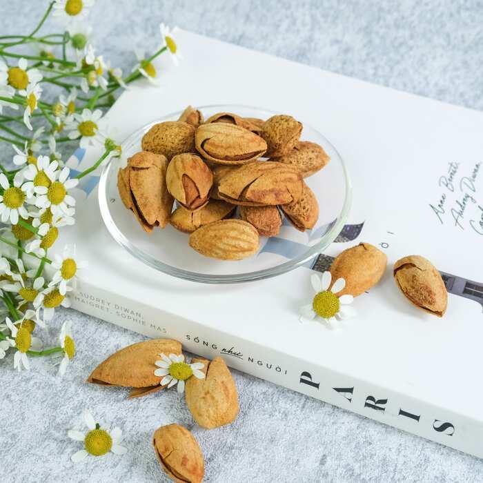 Hạt Hạnh Nhân bơ thơm ngon cao cấp Smile Nuts