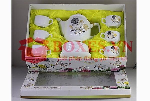 Bảo vệ các vật dụng bằng thùng carton đựng gốm sứ