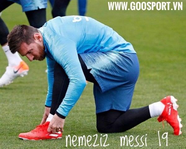 giày đá bóng nemeziz messi