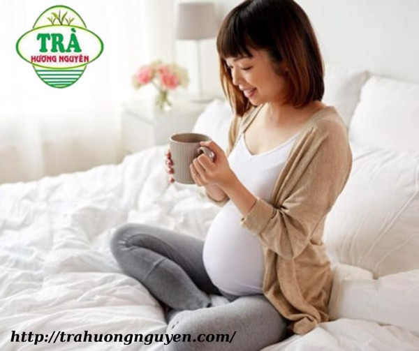 phụ nữ mang bầu không nên uống trà