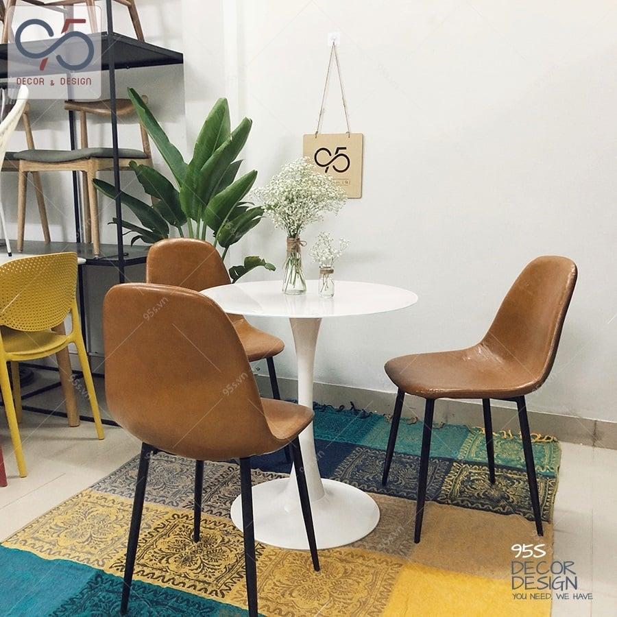 Bộ-bàn-tròn-Tulip-ghế-da-bò-Eames-DSX