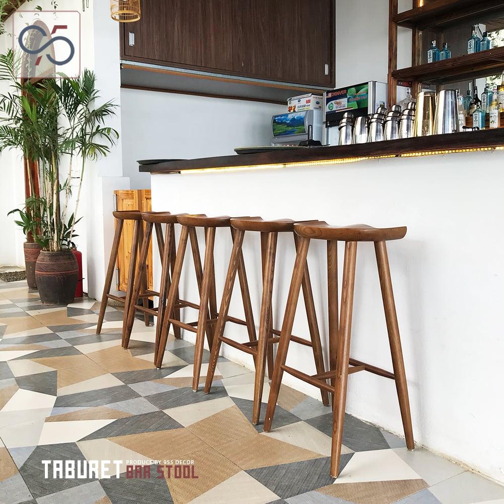 Ghế-bar-gỗ-quầy-rượu-Taburet-mặt-lõm
