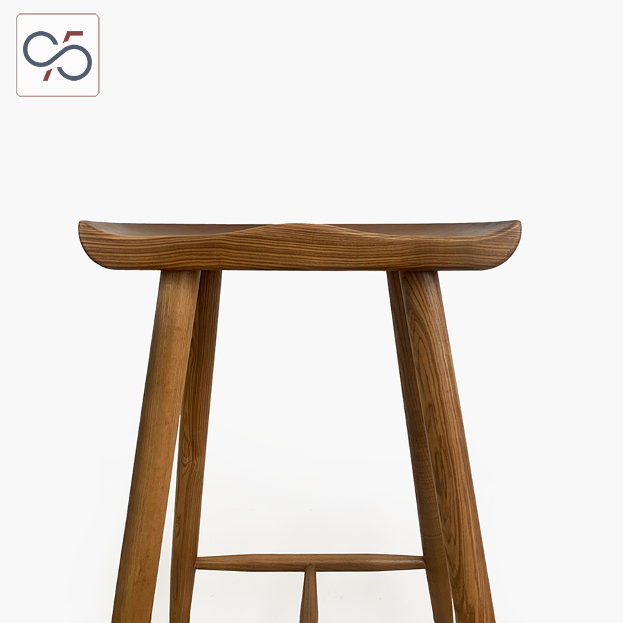Ghế-bar-gỗ-Taburet-mặt-lõm-màu-nâu