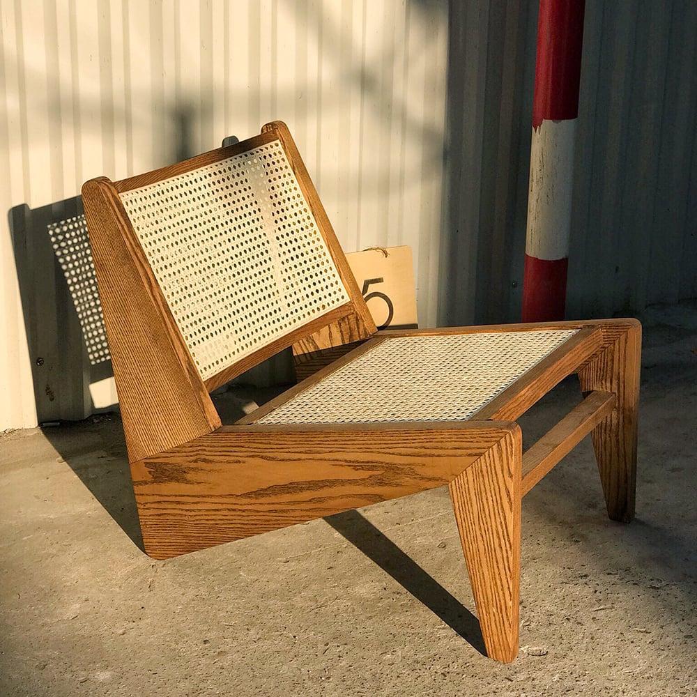 Ghế-thư-giãn-đọc-sách-gỗ-tựa-lưng-mây-rustic-kangaroo