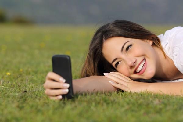 5 mẹo cải thiện nụ cười khi SELFIE 2