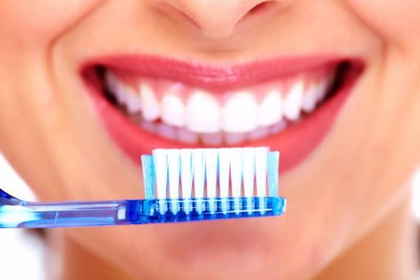 8 thói quen hủy hoại răng