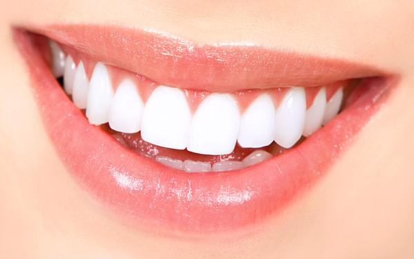 Răng đều như hạt bắp