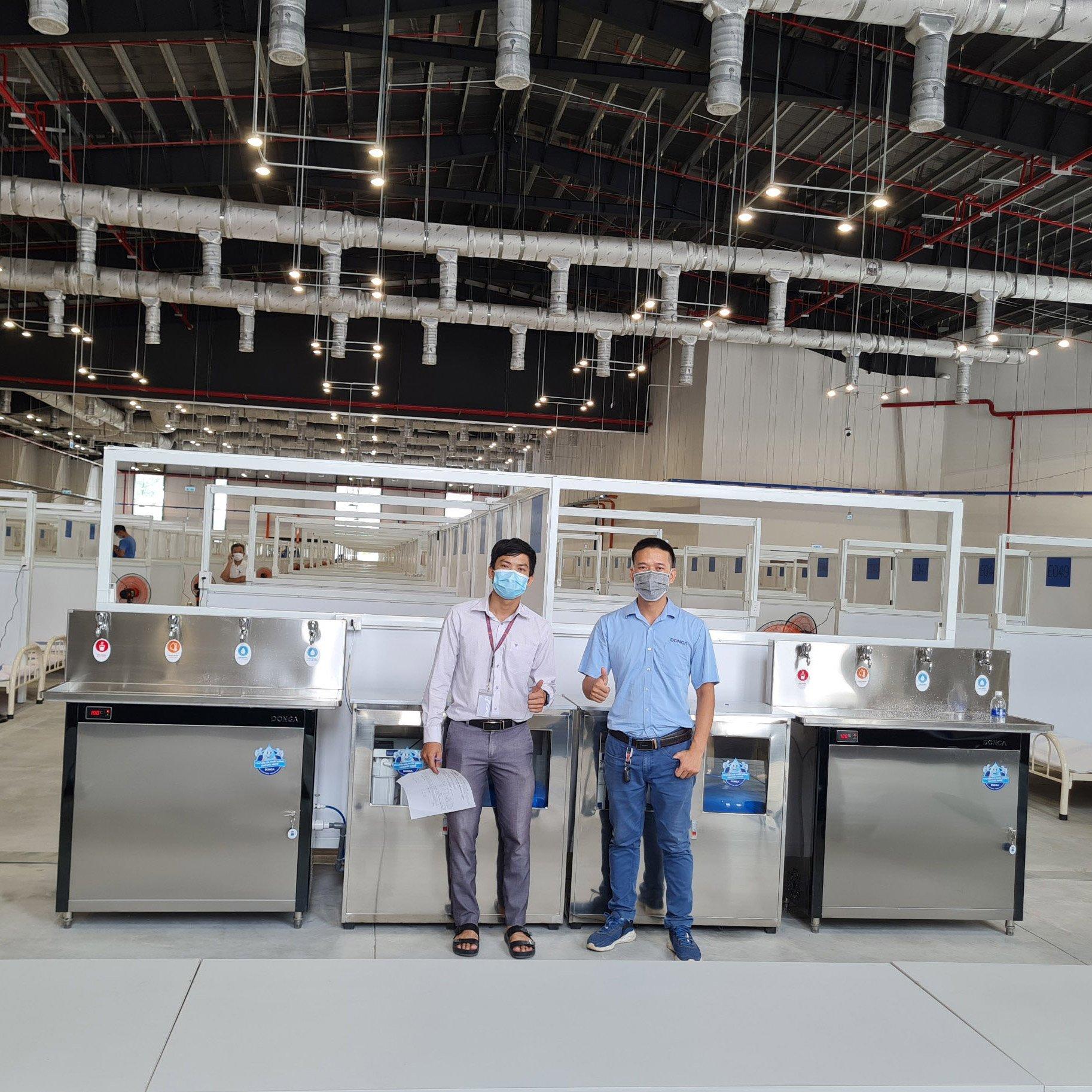 Bàn giao lắp đặt máy lọc nước uống cho bệnh viện dã chiến quy mô 1.500 giường tỉnh Bình Dương