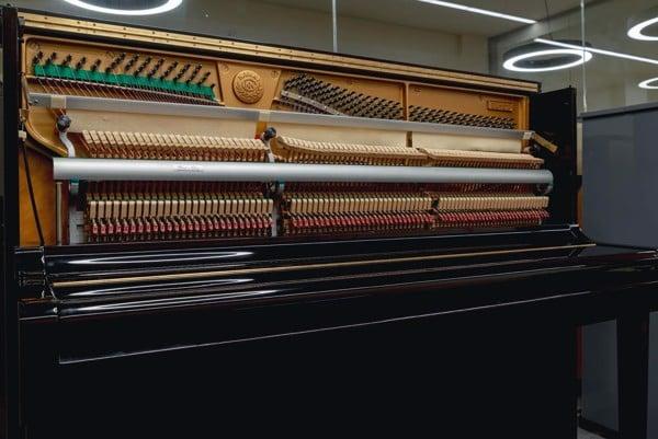 Piano cơ Kawai BL31