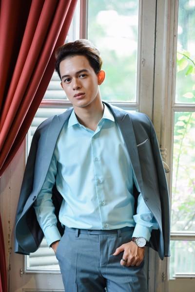 Diễn viên Quang Anh diện Vest cuới Seven Uomo