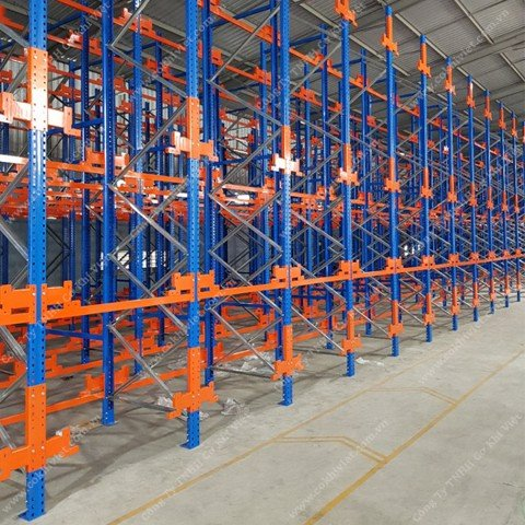 Radio shuttle racking system of Luong Quoi company