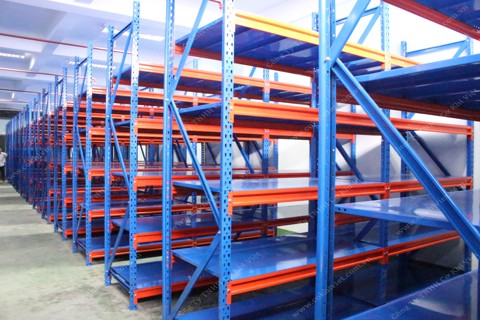 Medium duty racking system in Bank