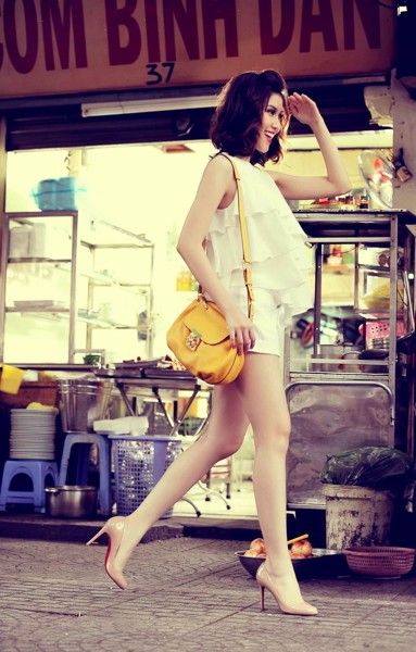 Thu Hang Model - Umbrella Fashion