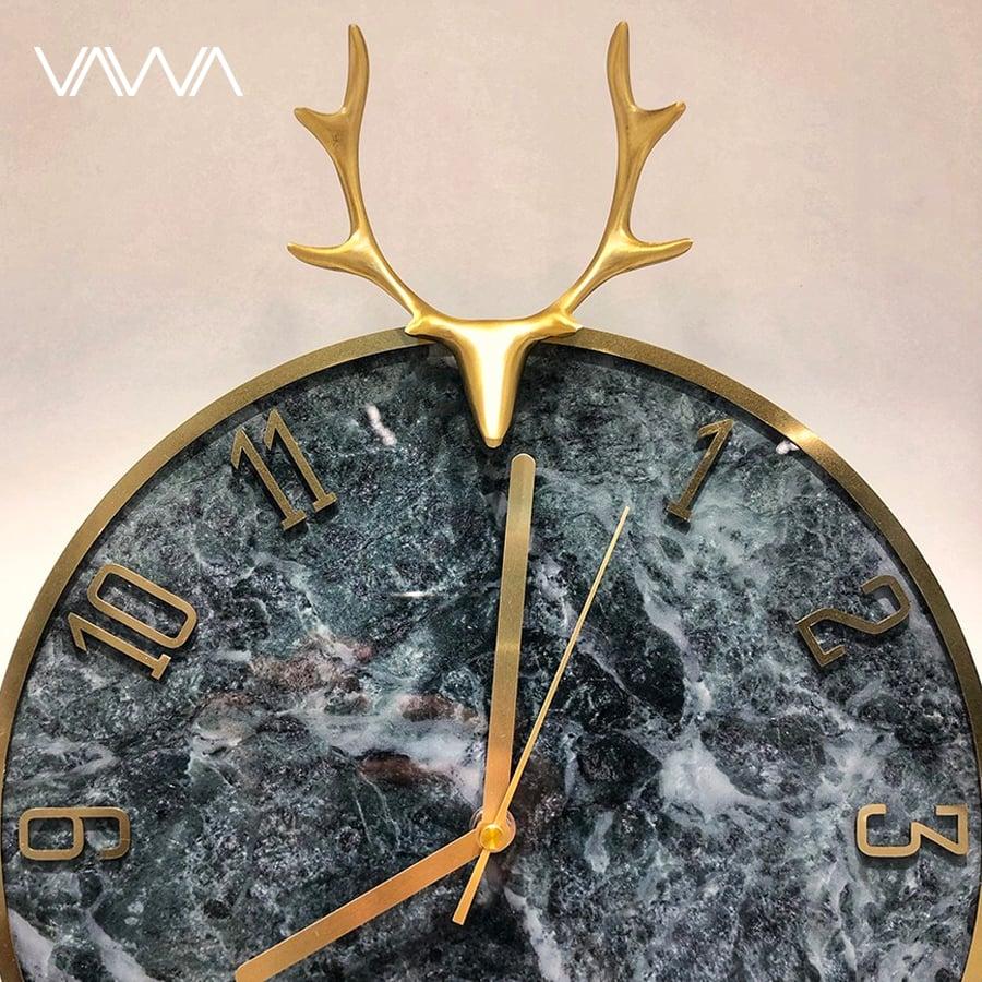 Đồng hồ treo tường quả lắc đầu hươu kim số đồng