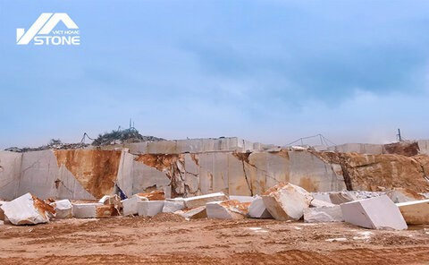 A new stone quarry in Nghe An