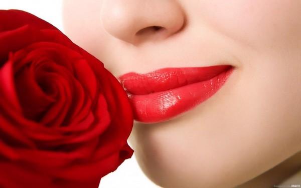 7 Bí quyết trị thâm môi tại nhà giúp bạn tự tin hơn