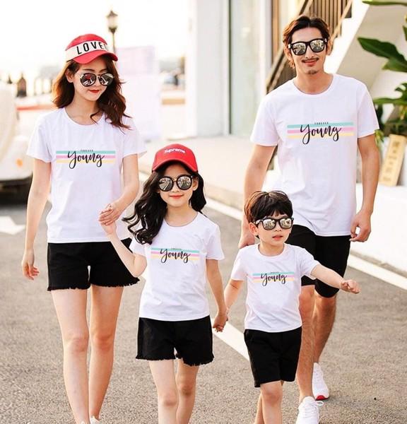 Các mẫu áo gia đình đi biển được mua nhiều nhất