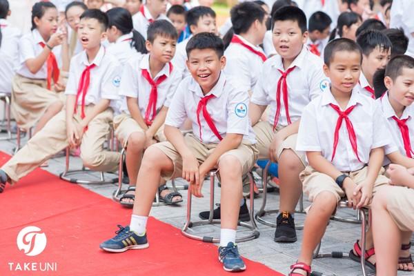 Đồng phục trường Nguyễn Du