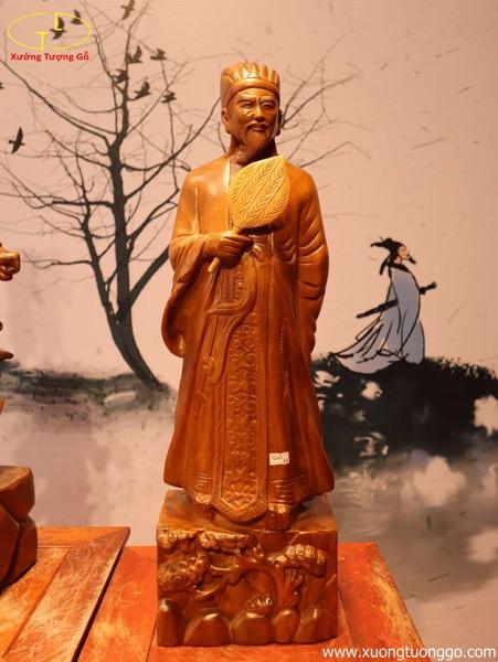 Tượng Khổng Minh gỗ bách