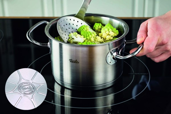 Công nghệ Cookstar độc quyền với đáy nồi 3 lớp – Sử dụng tốt với mọi loại bếp.