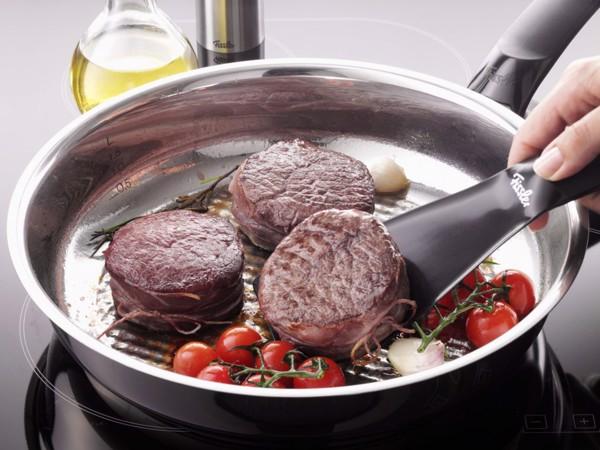 Chảo Inox Fissler Steelux Comfort hạn chế chất béotrong thức ăn