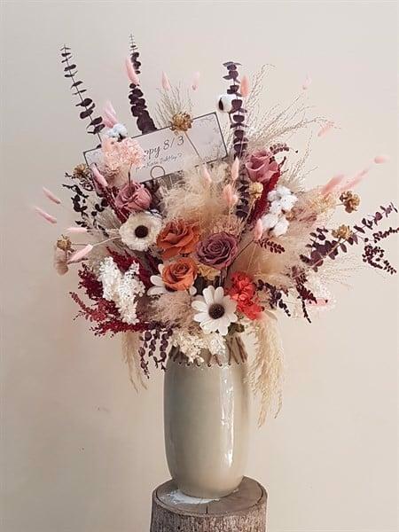 Hoa quà tặng độc đáo mang vẻ đẹp trang trọng, ngọt ngào