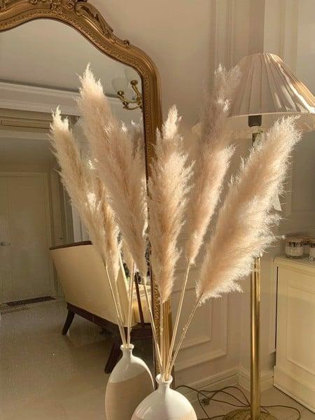 Hoa khô trang trí TPHCM được ứng dụng trong nhiều tác phẩm độc đáo