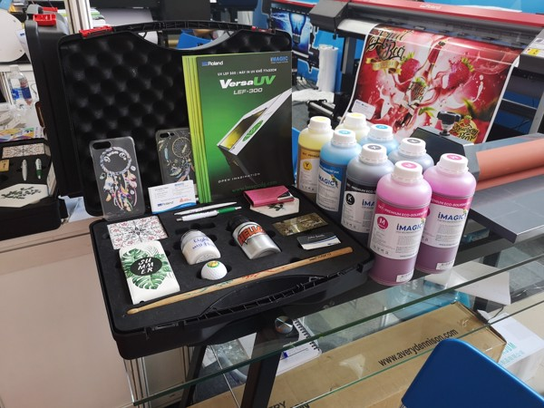 may in uv, uv printer, roland uv printer, máy in uv roland, roland lef12i, roland lef200, roland lef300