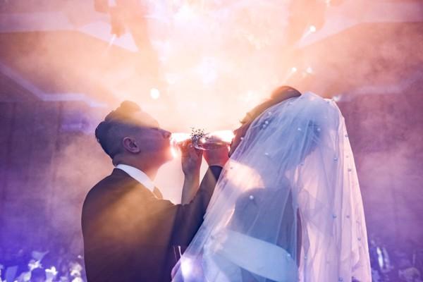 quay phim phóng sự cưới Hà Nội khách sạn Melia cô dâu chú rể làm lễ