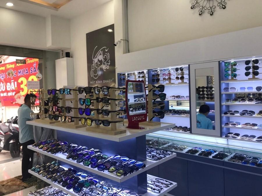 Kính áp tròng - Hướng phát triển và mở rộng kinh doanh mới cho cửa hàng mắt kính