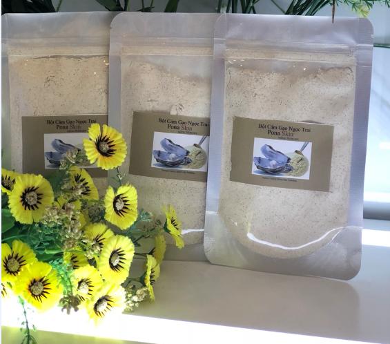 bột cám gạo ngọc trai giúp tẩy tế bào chết