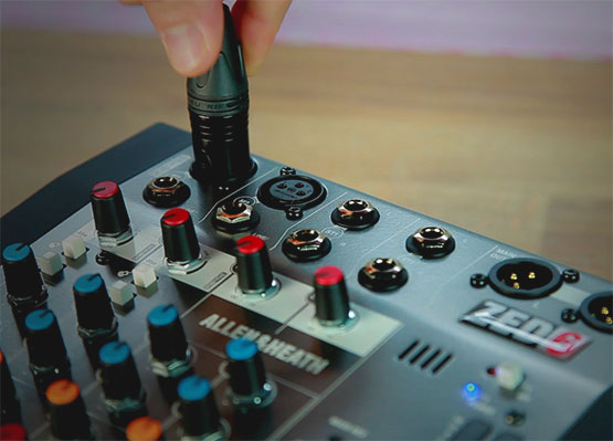 Bàn Mixer Allen & Heath ZED6
