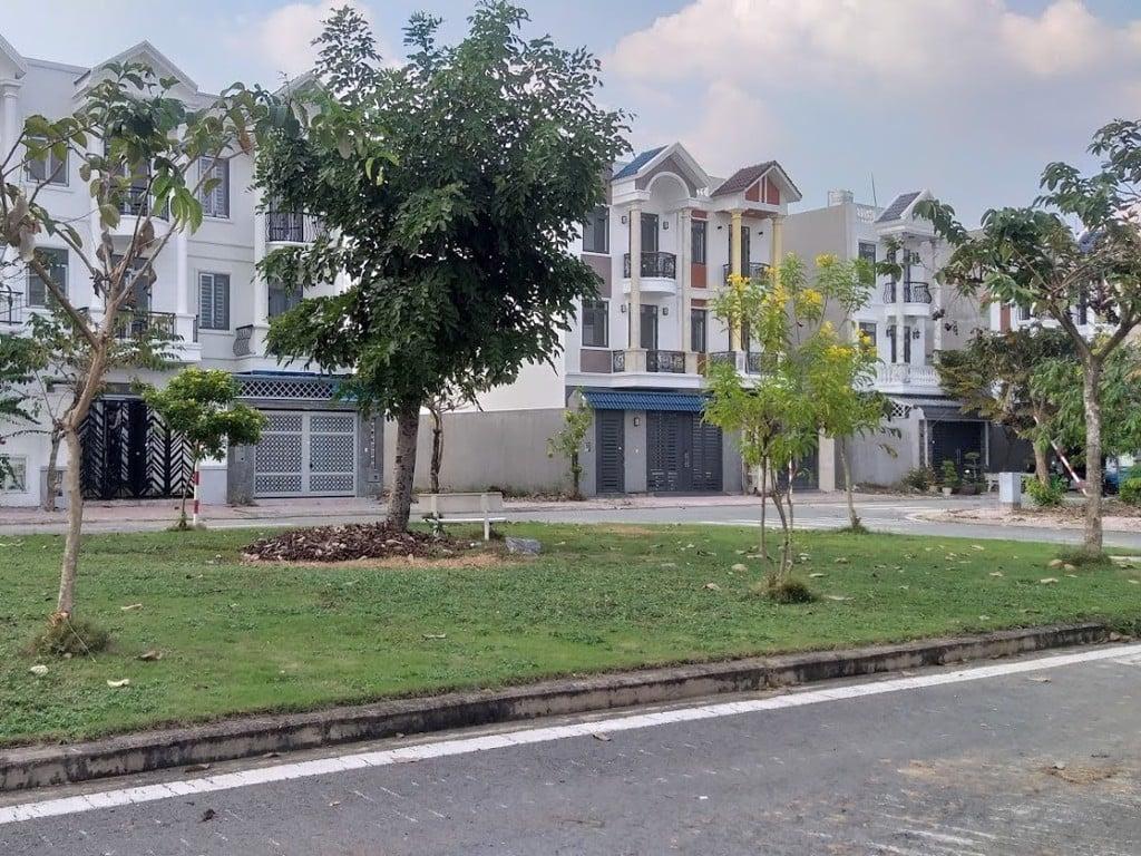 Một khuôn viên nhỏ trong khu dân cư