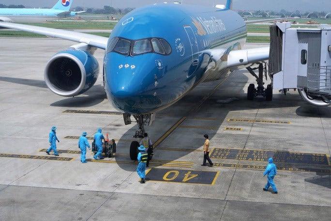 Vietnam Airlines và Vietjet Air mở chuyến bay thương mại quốc tế về đi và Việt Nam