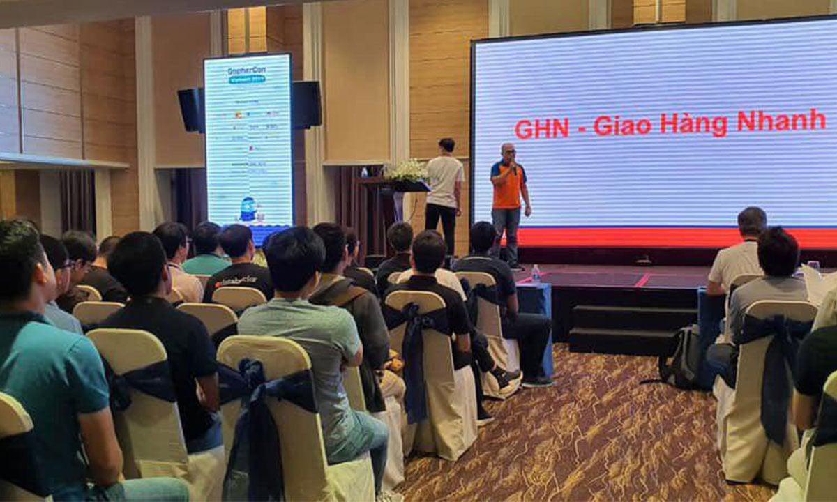 Giám đốc công nghệ GHN chia sẽ tại chương trình Gopher Con 2019