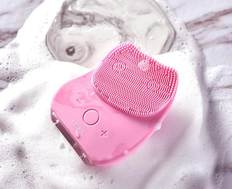 máy rửa mặt tẩy da chết cho nam giới
