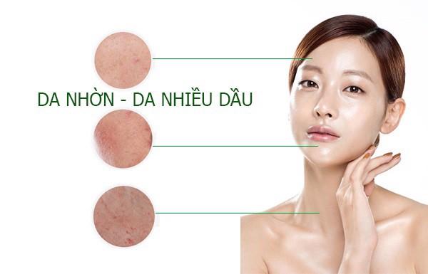 Có nhiều nguyên nhân dẫn đến da dầu mụn bao gồm cả nguyên nhân bên trong và bên ngoài