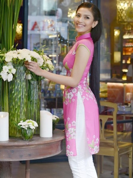 What Is The Best Combination For Modern Ao Dai And Pants For Stubby People ?