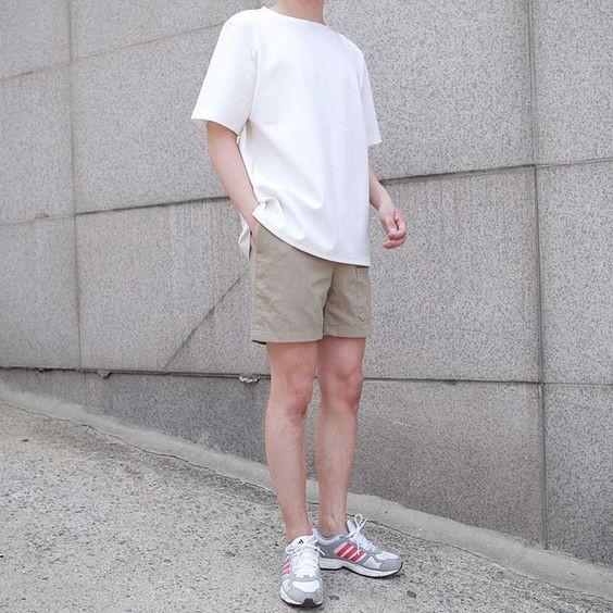 Cách mặc áo thun nam form rộng đúng chuẩn